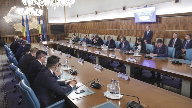 Guvernul Orban își angajează răspunderea pe alegerea primarilor în două tururi