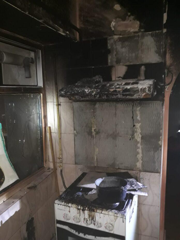 Apartament în flacări la Rosiorii de Vede. Proprietarul a adormit cu aragazul aprins